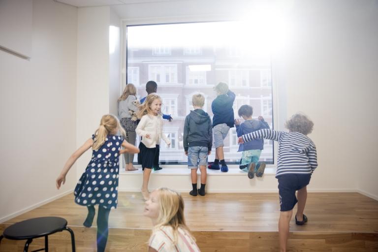 Til Henning Larsen Arkiteker - Første skoledag på Frederiksbjerg skole.